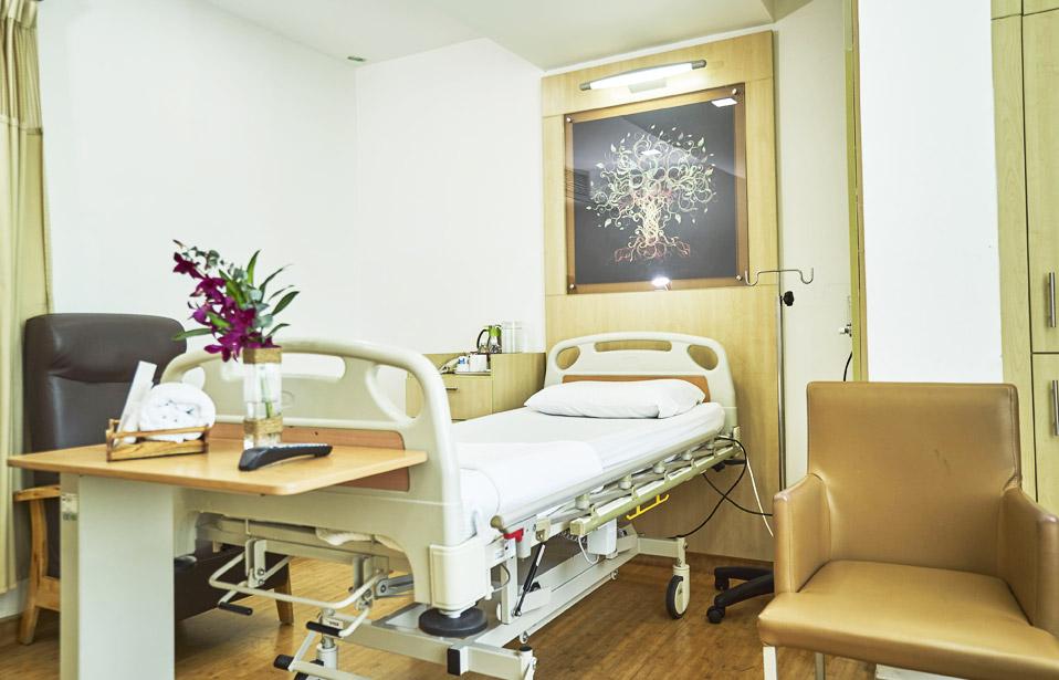 مستشفى نور الحياه للعيون